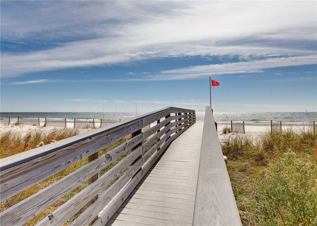 The Colonnades #303: 4 BR / 4 BA condo in Gulf Shores, Sleeps 13