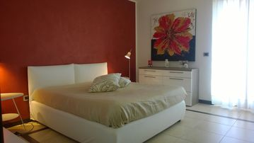 CASA DI ALICE-Elegant apartments in the center of Lecce -Wi-fi FLAT-Parking FREE