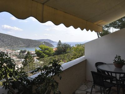 Photo for The Pinetree: Quality, large two bedroom family holiday home with sea view