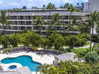 1BR Condo w/ partial ocean view in Southern Maui; pools, BBQ area, kitchen.