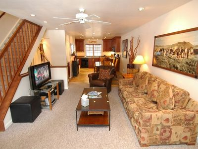 Photo for Deluxe 3  bedroom townhouse only 2 blocks from downtown Aspen and the Gondola. Alpblick18