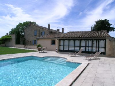 Photo for Spacious family home with swimming pool, at the gates of tourist attractions.
