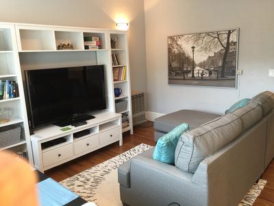Photo for Renovated Rockridge Apartment - close to Bart