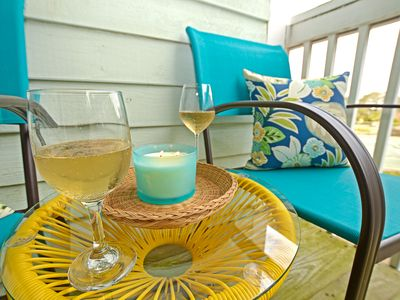 Photo for Finally Off Duty: Shell Seekers Paradise, 2 bed 2 bath Condo, Heated Pool