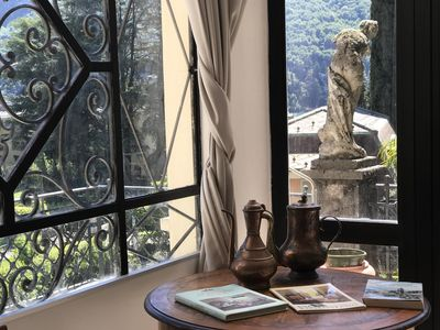Photo for Spacious apartment in elegant house, Lake Como