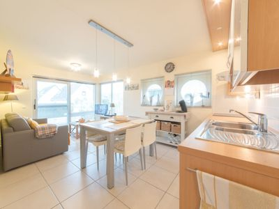 Photo for Apartment Blutsyde Promenade  in Bredene, Coast - 4 persons, 2 bedrooms