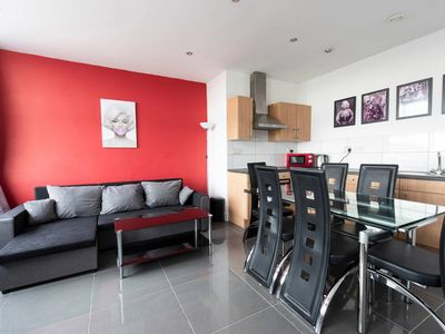 Photo for Stunning 19th Floor 2BR Apartment - Deansgate - Two Bedroom Apartment, Sleeps 6