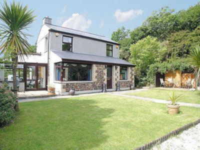 Photo for 2 bedroom accommodation in Carn Brea, Redruth