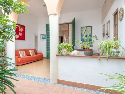 Photo for Townhouse near the Beach with Wi-Fi, Air Conditioning and Courtyard