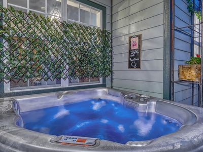 Photo for LOCATION, LOCATION, LOCATION - 1 MINUTE FROM DOWNTOWN - 2Bed/2Bath-Gym & Hot Tub