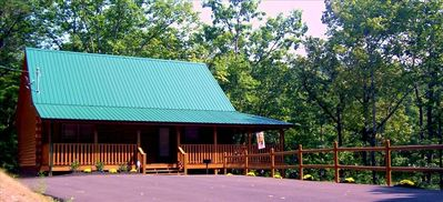 The New Frontier Log Cabin In The Great Smokie Mountain's