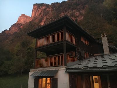Photo for Chalet 3 bedrooms, heart of the Grand Massif, 2 minutes by car (8 minutes walk) from the center