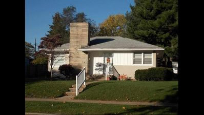 Nice & cozy 2 bedroom home, close to Notre Dame and more!