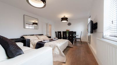Photo for LONDON ASTONISHING GROUND FLOOR  2 BED APARTMENT