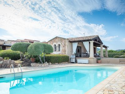 Photo for Stylishly furnished villa with pool - Villa Lisa Verde Mare