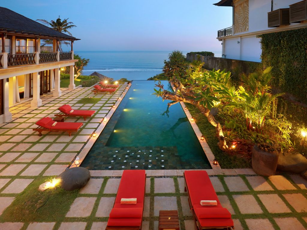 Luxury Cliff Front Villa Bali 10 Person - Spacious Villa