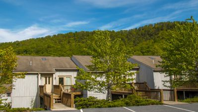 Photo for 2 Bedroom 2 Bath Eagle Trace Condo With Kitchen Massanutten Resort Sleep 12
