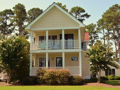 Sunflower Cottage - Great place to bring your paddle boards, kayaks or kite surf!