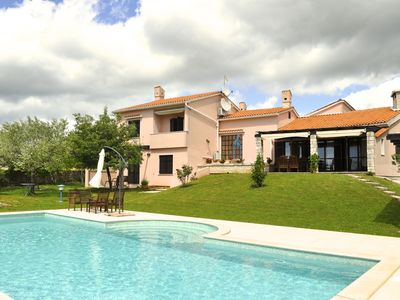 Photo for Villa with private pool (12x5m) and seaview, surrounded by olive trees