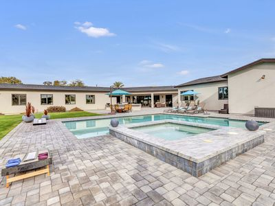 Photo for Beautiful contemporary 4br/3.5bath close to Old Town Scottsdale and Kierland