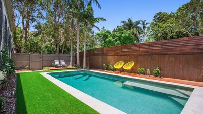 Photo for Pandanus Holiday Home with huge covered deck and pool