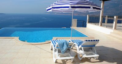 Luxurious villa with pool in a stunning location by the sea