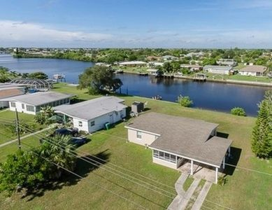 Photo for Beautiful Sunset Views From Nicely Furnished Canal Front Home