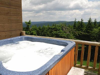 Loggers Run 7:  5 Bedrooms, 3.5 Baths.  Private Hot Tub.