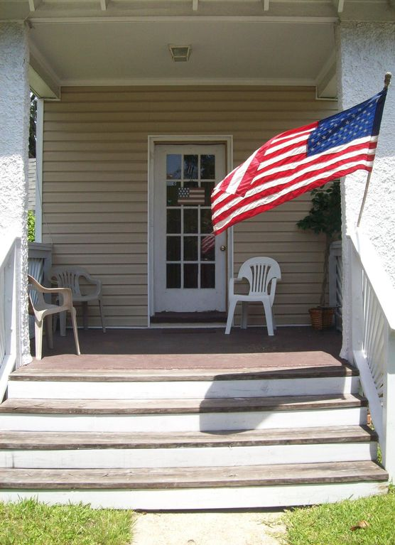 Best Deal Beautiful 100 Year Old Beach House 2 Blocks From Oceanfront 18yrs