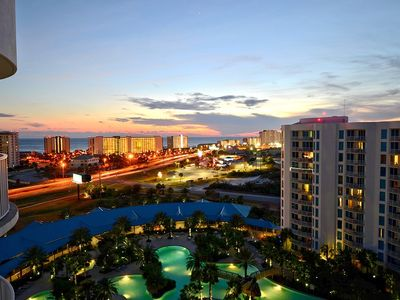 Photo for Palms of Destin unit 21105 on the 11th floor condo in the heart of Destin!