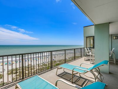 Luxury Oceanfront 3 Bedroom 2 Bathroom Top Floor Penthouse w/ Huge Balcony!