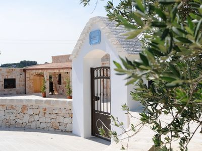 Photo for Lovely Trullo with pool, jacuzzi, private terrace and with views over the countryside of Puglia