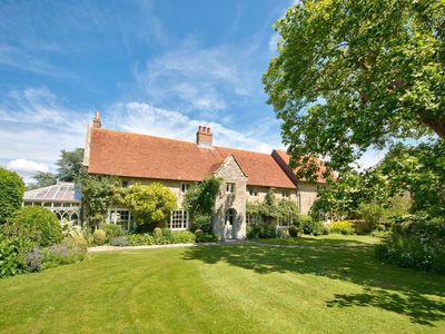 Photo for 7 bedroom accommodation in Shalfleet