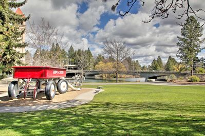 Visit the world's largest radio flyer in Riverfront Park nearby.