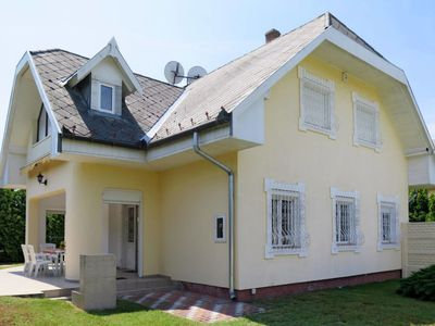 Photo for Vacation home Kozma (MAF137) in Balatonmariafurdo - 8 persons, 4 bedrooms