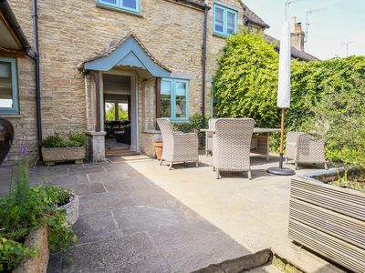 Photo for 5BR Cottage Vacation Rental in BURFORD, Cotswolds
