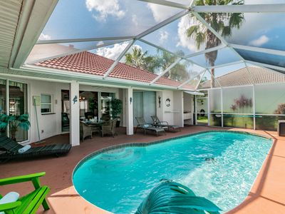 Photo for 3 Bedroom 2 Bathroom Tropical Oasis with pool