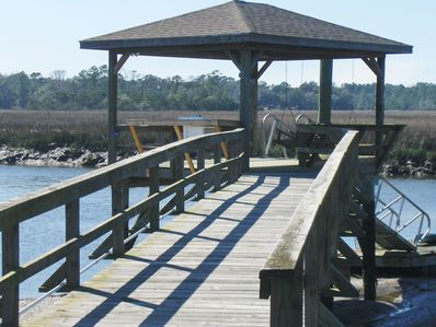Dock at your back door!  Low tide tricky - many use marinas.