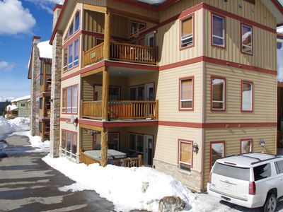 Photo for Spyglass 4B, lower floor conveniently located to Happy Valley, Big White