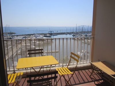 Photo for T2 for 4 people sea view and harbor - Hyères Port