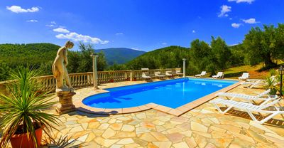 Photo for Beautiful Villa with heated salt water pool in the heart of Tuscany