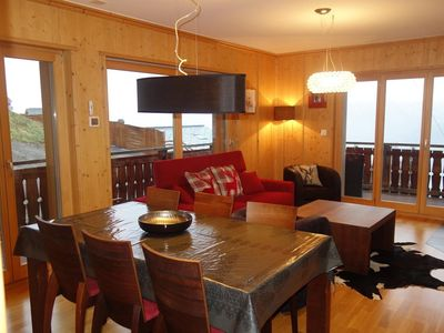 Photo for Luxurious 5* 2-bedroom-apartment for 4-6 people located directly on the ski slopes. Modern and spaci