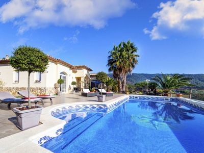 Photo for This 4-bedroom villa for up to 8 guests is located in Calonge and has a private swimming pool, air-c