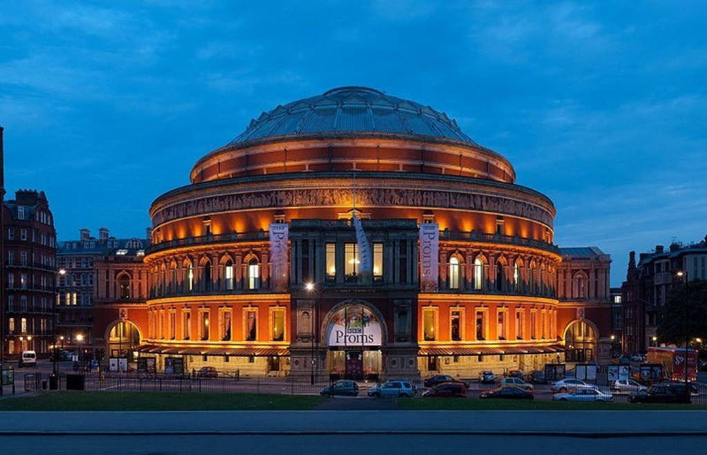 Kensington apartment rental - 15 mins walk to Royal Albert Hall for music lovers