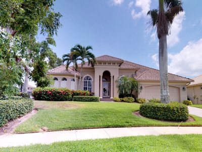 Photo for Spacious snowbird-friendly bay front home with private pool!