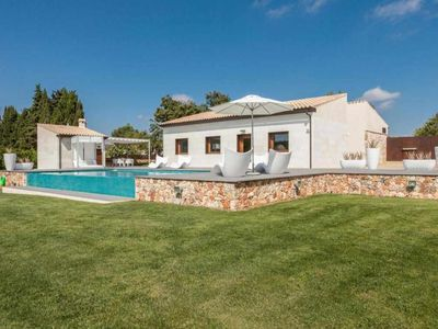 Photo for Modern country house with pool and air conditioning for 6 + 1 people