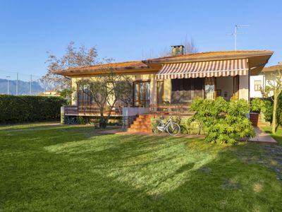 Photo for Vacation home Donatella in Marina di Pietrasanta - 6 persons, 3 bedrooms