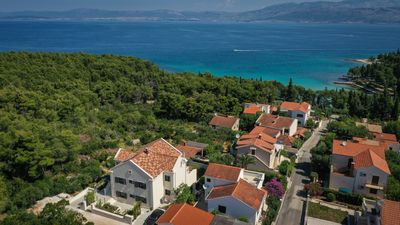 Photo for Villa with sea view, top facilities and only a few steps to the beach