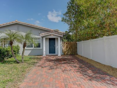 Photo for SWEET..fort Lauderdale 2 bedrooms 1 bath private home.