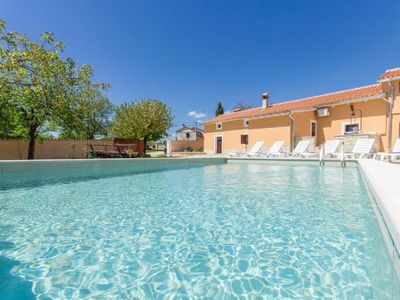 Photo for Holiday home with private pool, 4 bedrooms, 3 bathrooms, washing machine, air conditioning, WiFi, terrace and barbecue area